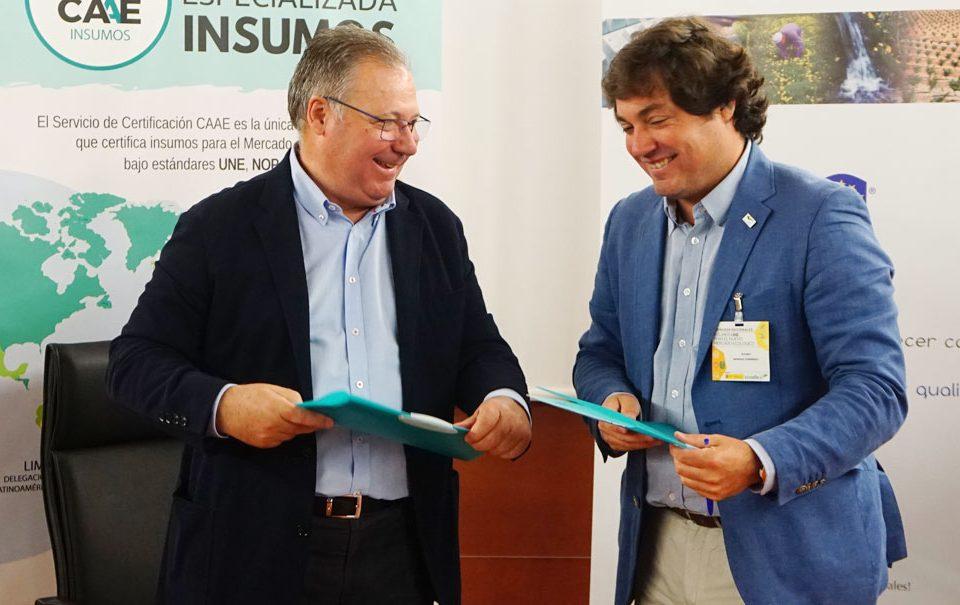 Firma del convenio CAAE y AEFA